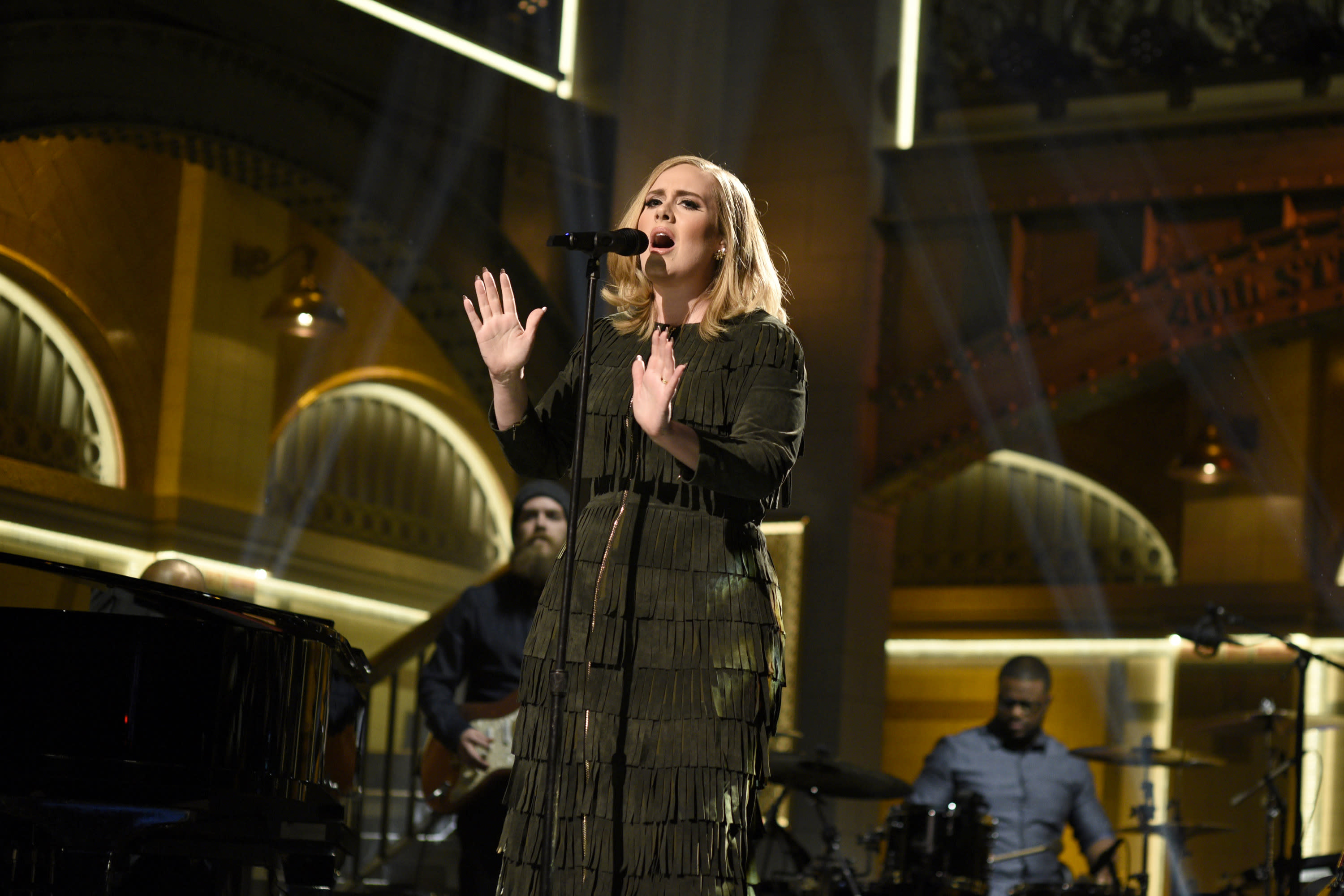 Hello Again: Adele's '25' Has Highest-Selling First Week Ever