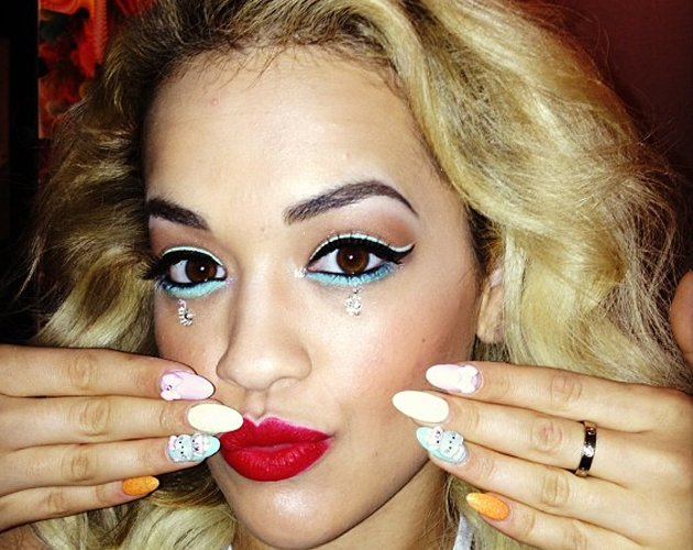 Rita Ora showcases SS13 pastel trend with funky nail art and beauty