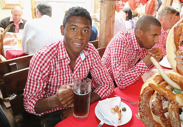 Am Schlusstag des Oktoberfests 2012 feierte der FC Bayern Mnchen seinen starken Saisonstart auf der Theresienwiese