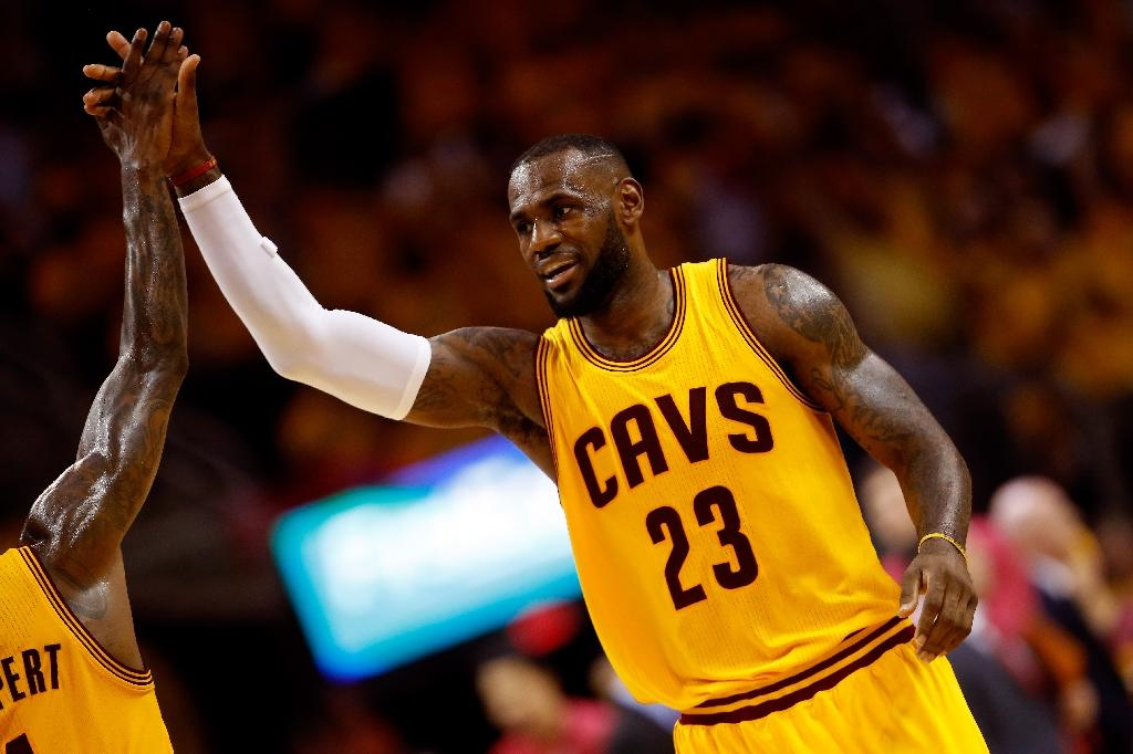 Cavs sweep Hawks to punch ticket to NBA finals