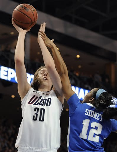 UConn women rout Kentucky, advance to Final Four