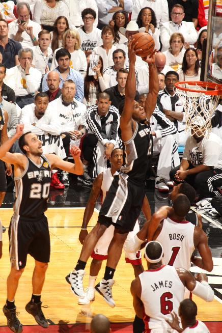 Spurs take 3-1 lead with 107-86 victory over Heat