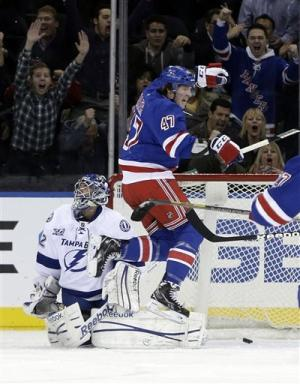 Rangers ride big 1st period, top Lightning 4-1
