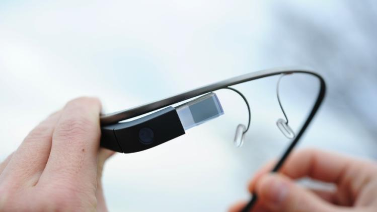 Samsung's Google Glass copy reportedly debuts in September