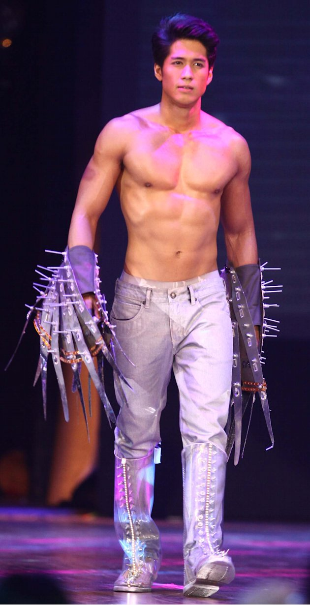 Bench Fashion Show 2012 Aljur Abrenica