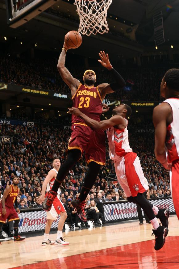 James scores 29, Cavaliers beat Raptors 120-112