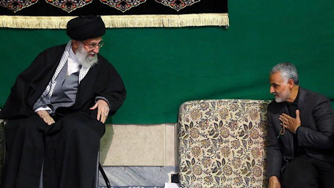 HO03. Tehran (Iran (islamic Republic Of)), 28/03/2015.- A handout picture made available on 28 March 2015 by the Iranian supreme leader's official website shows Iranian Supreme Leader Ayatollah Ali Khamenei (L) greeting Iranian Quds Force Head, General Ghasem Soleimani, during a religious ceremony in Tehran, Iran, 27 March 2015. According to media reports, Soleimani's Quds Forces are leading Iraq's fight against Islamic State (IS) militants in Iraq. (Teherán) EFE/EPA/LEADERS OFFICIAL WEBSITE / HANDOUT HANDOUT EDITORIAL USE ONLY/NO SALES