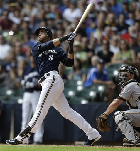 Brewers hit 5 HRs, outslug skidding Pirates