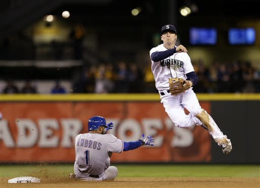 Rangers get best of King Felix in 4-3 win over M's