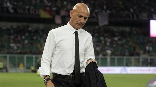 Palermo coach Giuseppe Sannino when he was about to get sacked (AFP)