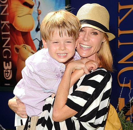 Julie Bowen: My Son Almost Died From an Allergic Reaction to Bees, Peanut Butter
