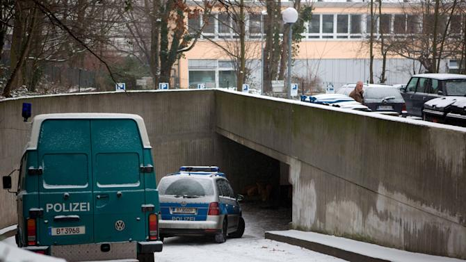 Germany: Robbers dig 100-foot tunnel to raid bank
