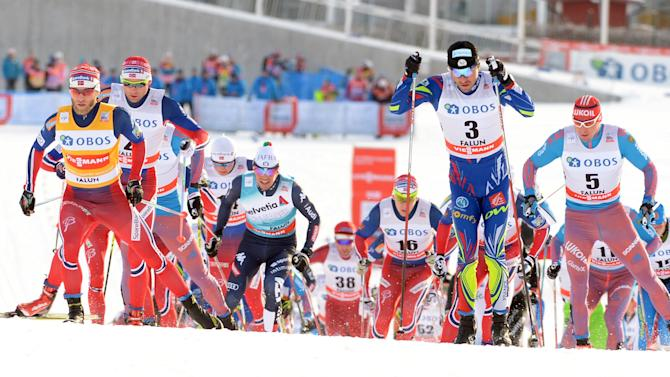 The start of the men's 15 km competition at the FIS Cross-Country World Cup in Falun
