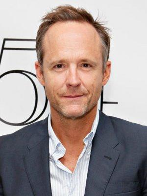 'The Big C's' John Benjamin Hickey to Star in CW's 'Blink'