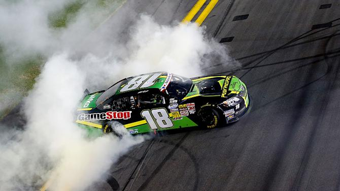 Kenseth rockets to Firecracker 250 Victory