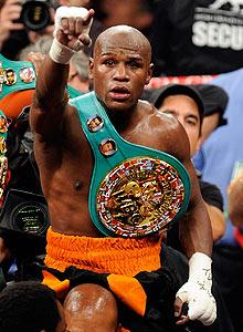 Mayweather missteps, avoids Pacman question