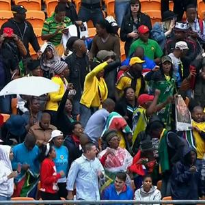 Raw: Crowds Arrive for Mandela Memorial
