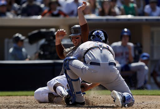 Padres hit 3 homers in 7-3 win over Mets