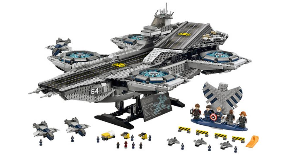 $350 Lego Avengers Helicarrier is a 3,000-piece beast