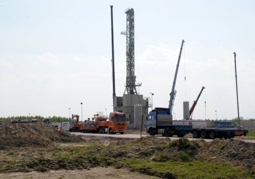 <p>A drilling rig exploring for shale gas in the eastern Polish village of Grzebowilk in 2011. Poland will invest 50 billion zlotys (15.5 billion euros) in the exploration of shale gas by 2020, said Finance Minister Mikolaj Budzanowski.</p>