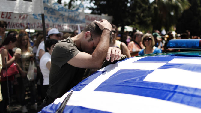 Greece: motorbike protest outside governing party