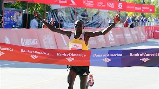 Dennis Kimetto of Kenya wins the 2013 Chicago Marathon (AFP)