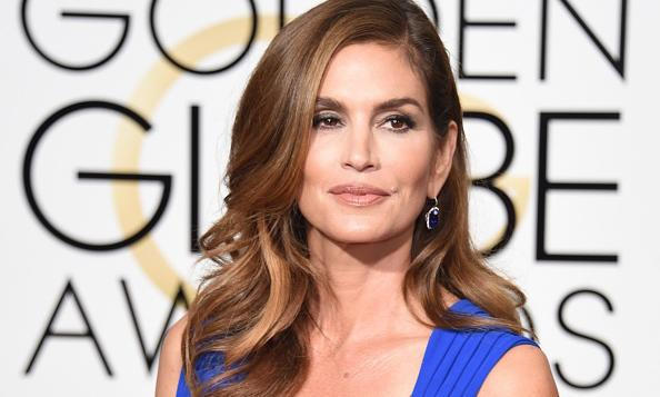 Cindy Crawford on her fake 'unretouched' photo: 'I felt really manipulated'