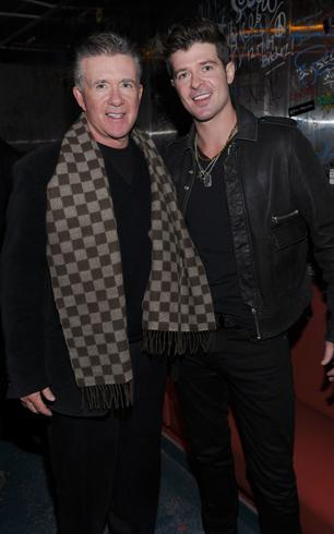 Robin Thicke's Dad Alan Loves 'Earworm' Smash 'Blurred Lines'
