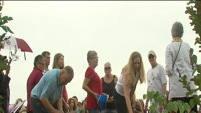 Services held for animals lost in Moore tornado