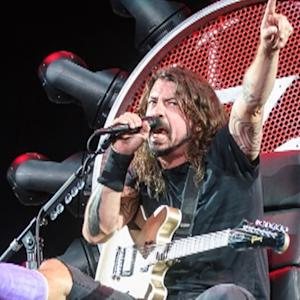 Dave Grohl Performs Concert With Broken Leg on 'Game of Thrones'-Style Chair