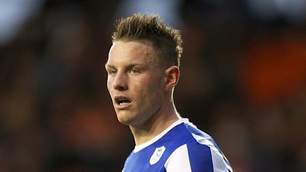 Connor Wickham netted twice as managerless Sheffield Wednesday beat Leicester