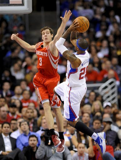 Paul, Griffin help Clippers rout Rockets 117-89