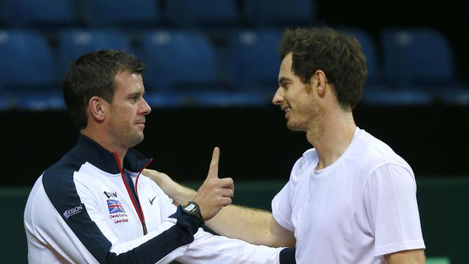 Great Britain Team Captain Leon Smith and Andy Murray during practice