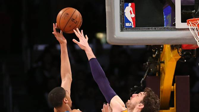 New Orleans Hornets v Los Angeles Lakers