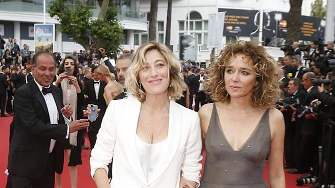 . Cannes (France), 24/05/2015.- French Italian actress Valeria Bruni-Tedeschi (L) and Italian actress Valeria Golino (R) arrive for the screening of 'La Glace et le Ciel' (Ice and the Sky) and the Closing Award Ceremony of the 68th annual Cannes Film Festival, in Cannes, France, 24 May 2015. The festival closes with the screening of the movie presented out of competition. (Cine, Francia) EFE/EPA/GUILLAUME HORCAJUELO
