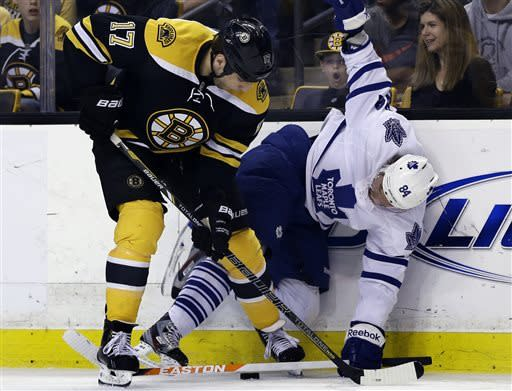 Lupul scores twice, Leafs tie series with 4-2 win