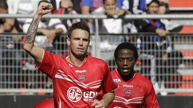 Valenciennes' Anthony Le Tallec (L) celebrates after scoring a goal during their French Ligue 1 soccer match against Olympic Marseille at the Hainaut Stadium