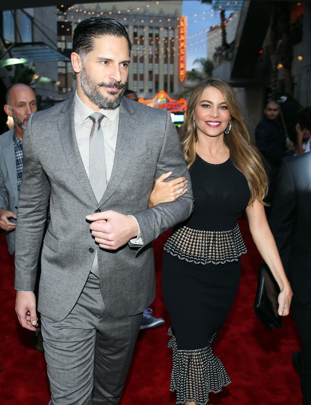 Sofia Vergara scores by sharing wedding photos on Instagram