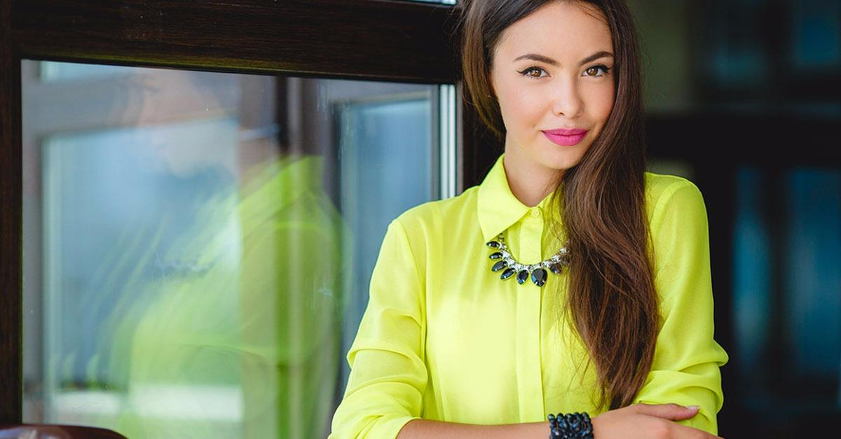 How to Wear Spring Trends at the Office