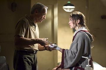 Clint Eastwood as Frankie and Hilary Swank as Maggie in Warner Bros. Million Dollar Baby