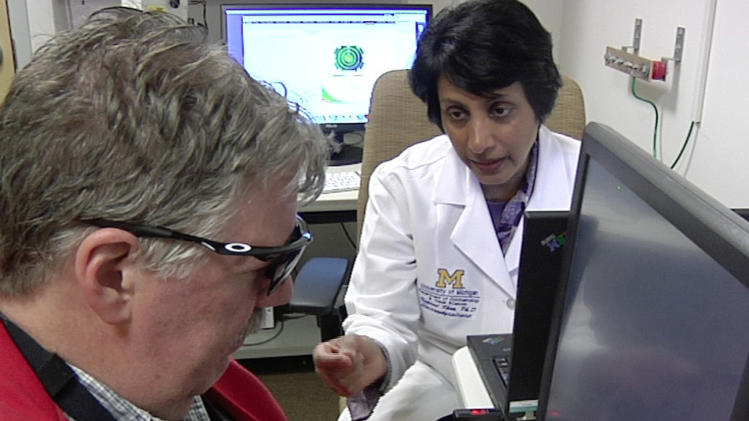 Dr. Naheed Khan works with Roger Pontz