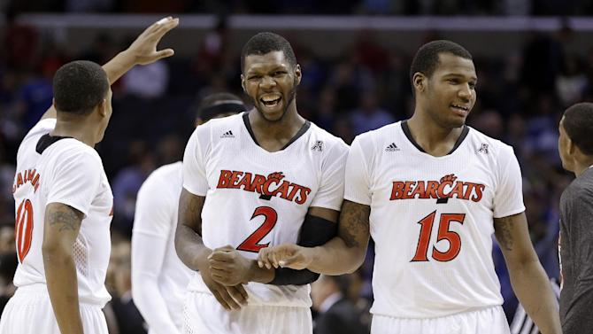 Kilpatrick's 21 leads No. 13 Cincinnati, 61-58