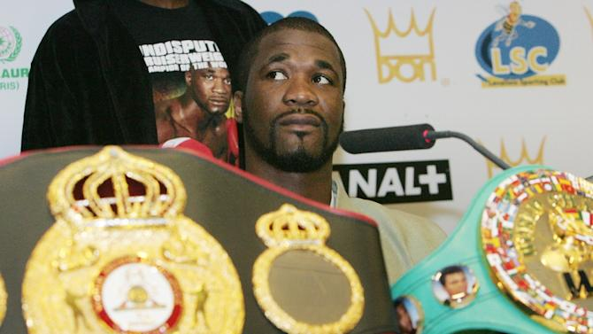 O'Neil Bell finished his career with a record of 27 wins, four losses, one draw and 25 knockouts