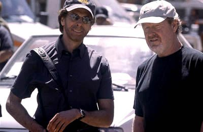 Jerry Bruckheimer and Ridley Scott on the set of Columbia's Black Hawk Down