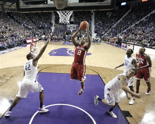 Pledger leads Oklahoma over No. 22 Kansas St 63-60