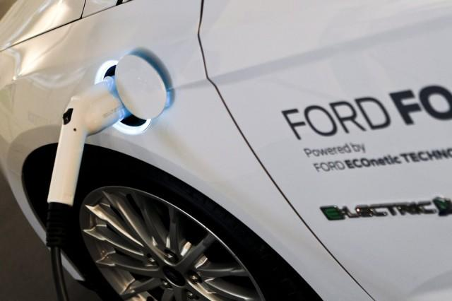 Ford May Show A 200-Mile Electric Car This Year To Counter Chevy Bolt: UPDATE