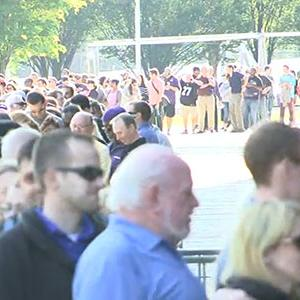 Raw: Hundreds Line Up to Exchange Rice Jerseys