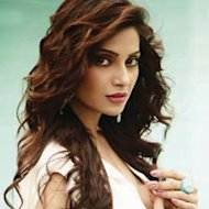 Happy Birthday Bipasha Basu!