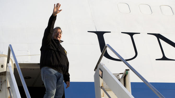 Panetta defends Obama's gun control package