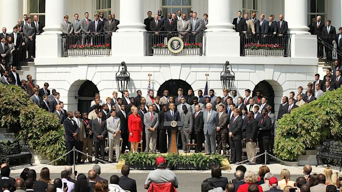Obama Welcomes BCS Nat'l Champion U. Of Alabama To The White House